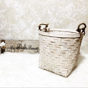 Other - Farmhouse Storage Basket With Jute Handles